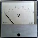 Волтметър МР120 0-25V DC аналогов панелен 120x120mm