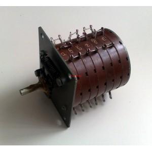 Ротационен галетен превключвател УЦ 3602055, 2 позиции, 2х3 палуби, 18 секции, порцелан