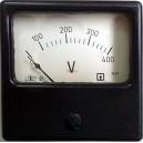 Волтметър 0-400V DC /4Е31 аналогов панелен 72x72mm