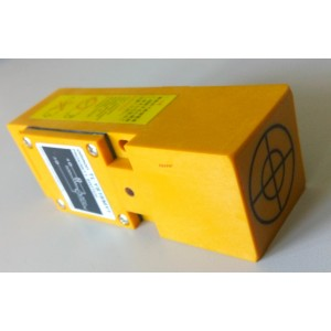 Индуктивен датчик 90-250VAC OMRON TL-YS15MY1